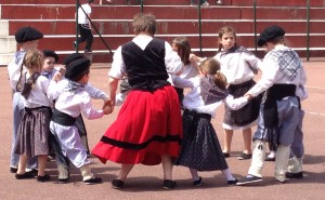 Basque children dansers