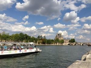 Seine batobus near Louvre