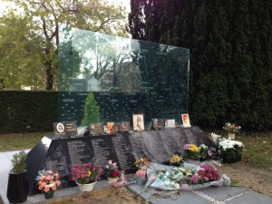 Pere Lachaise collective AF memorial