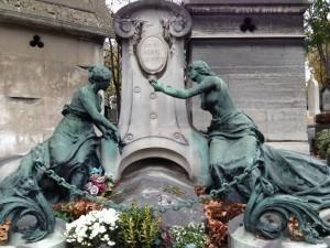 Pere Lachise dual sculptures