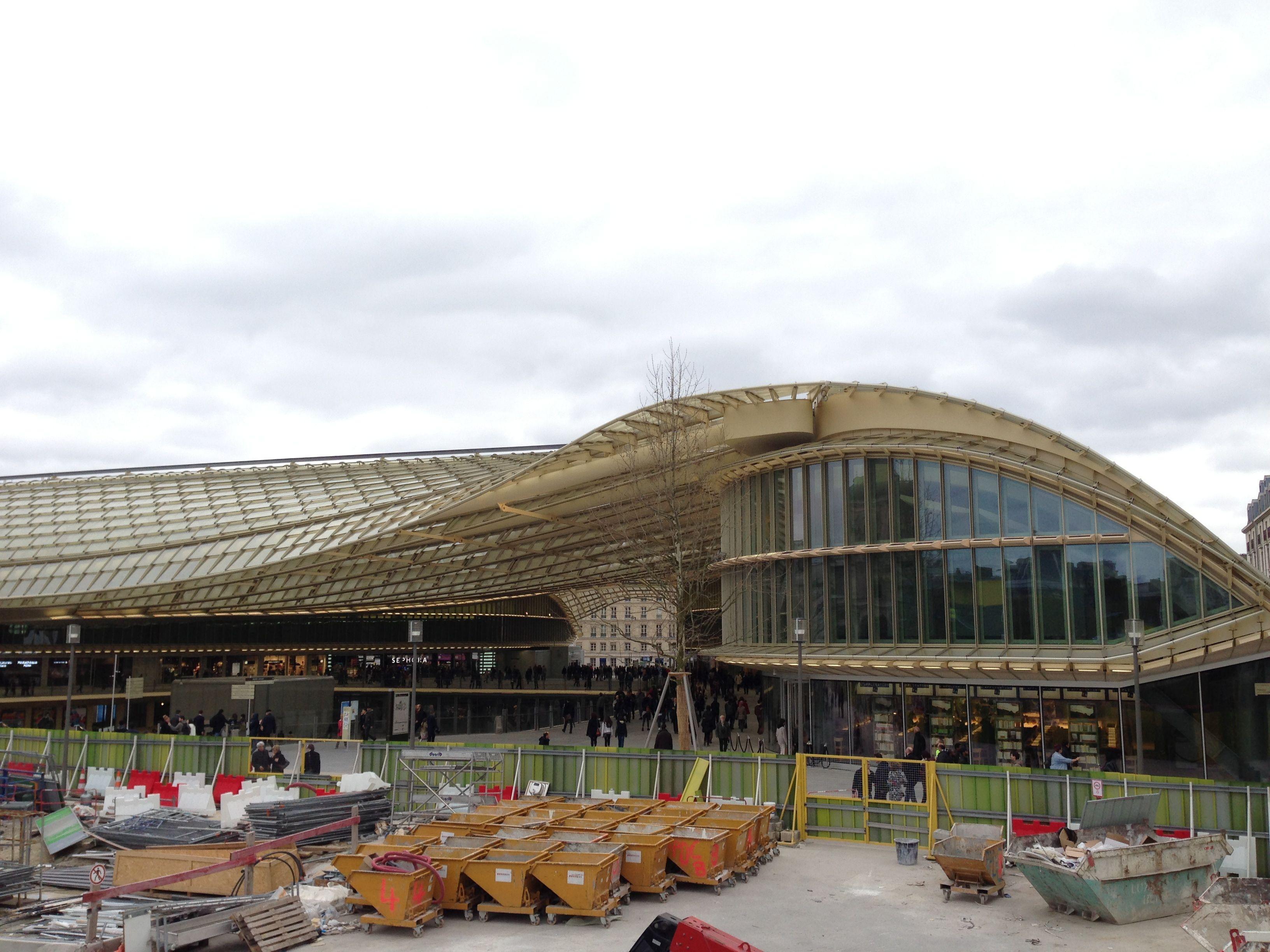 Les halles of paris renovation another architectural flop for La droguerie paris les halles